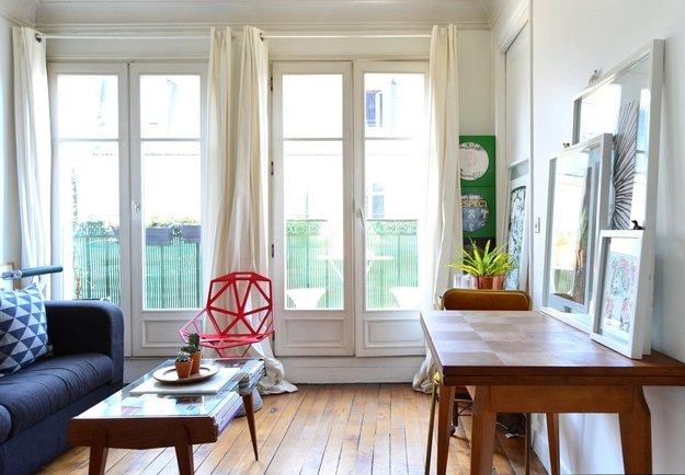 Большие стеклянные двери на балкон