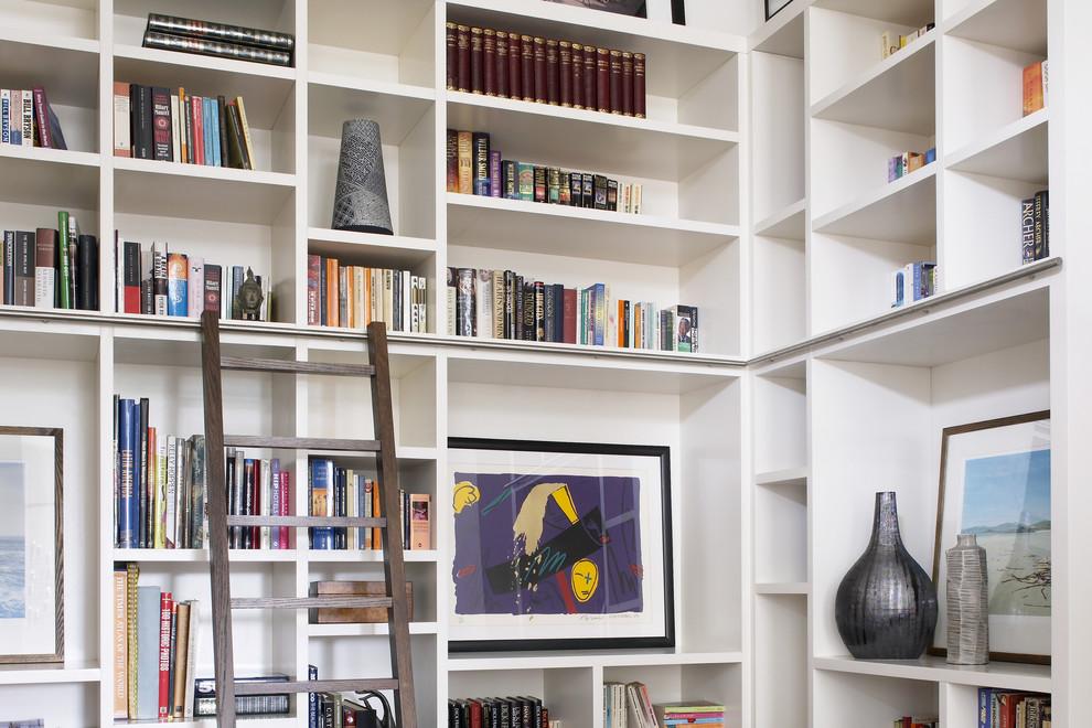 Открытый стеллаж для книг