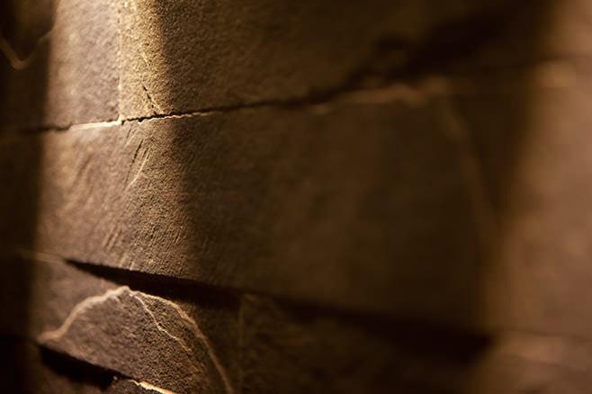 Настенное покрытие в квартире от студии дизайна Archifacturing