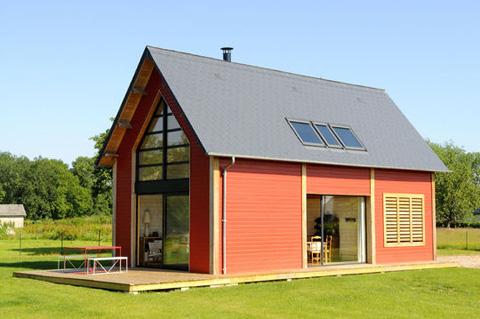 Экстерьер маленького деревянного дома