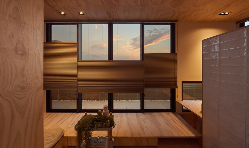 Большие окна в маленьком доме