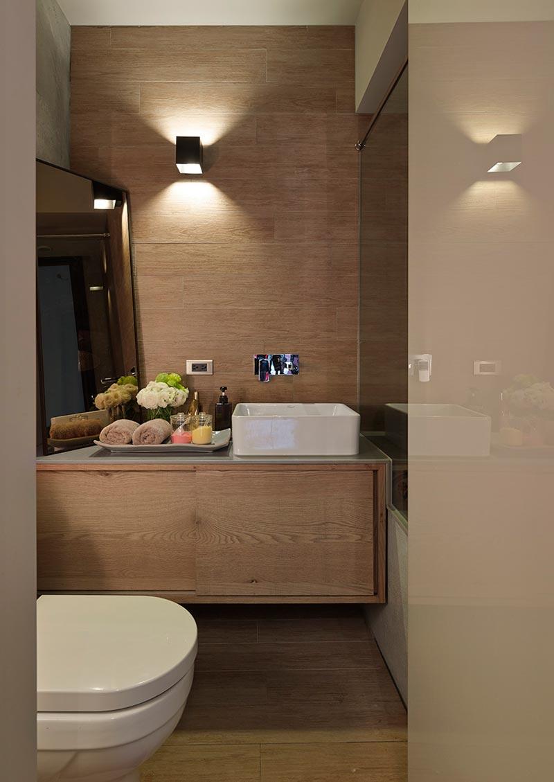 Деревянная отделка ванной комнаты