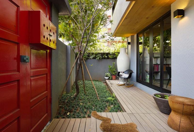 Интерьер маленького дома с внутренним двориком