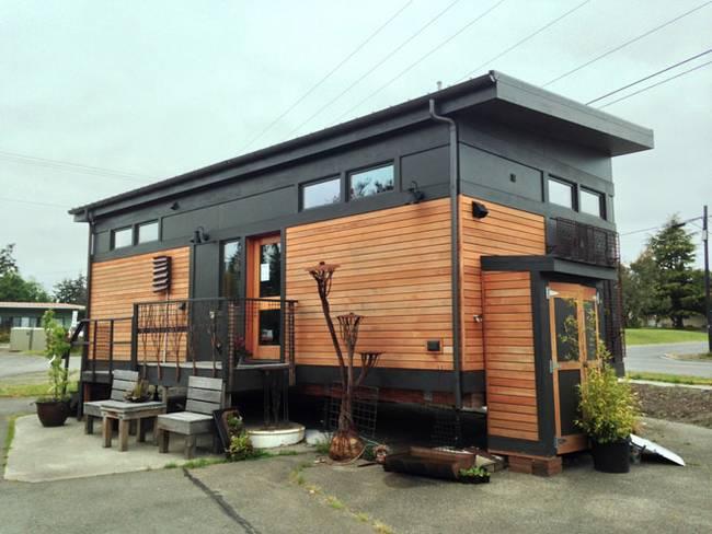 Экстерьер маленького загородного дома от GreenPod