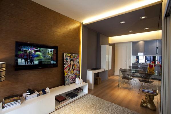 Теплые оттенки серого и коричневого цветов в интерьере квартиры