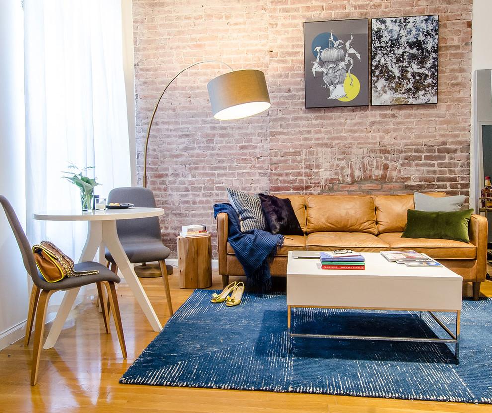 Интерьер маленькой гостиной в Нью-Йорке