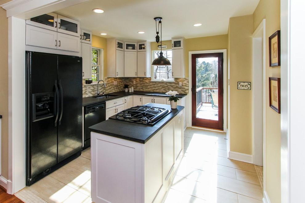 Интерьер маленькой кухни после ремонта