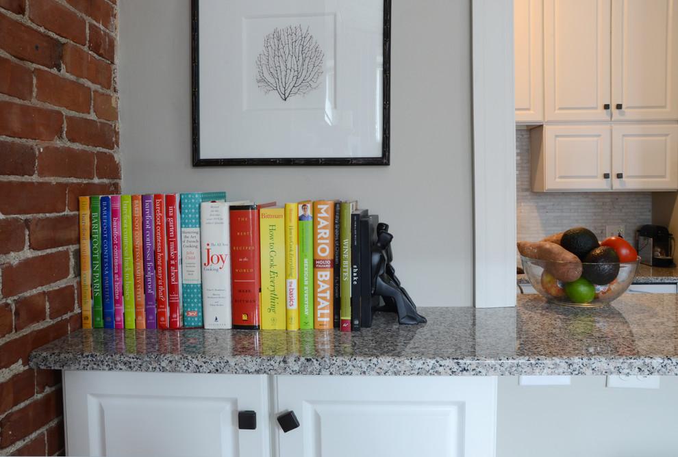 Книги в интерьере маленькой квартиры
