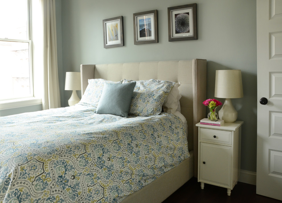 Интерьер маленькой квартиры: спальня в пастельных тонах