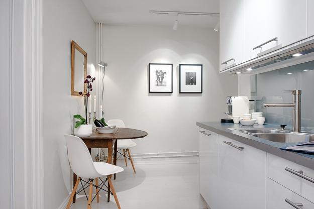 Интерьер кухни квартиры в скандинавском стиле в Гётеборге