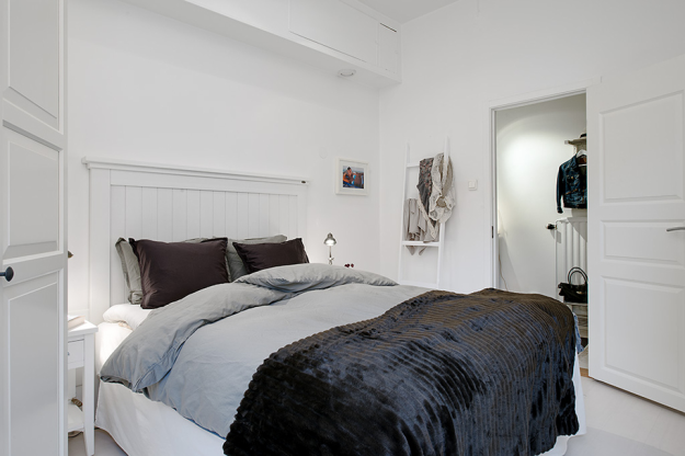 Интерьер спальни квартиры в скандинавском стиле в Гётеборге