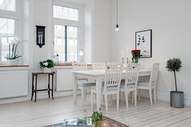 Столовая квартиры в скандинавском стиле в Гётеборге