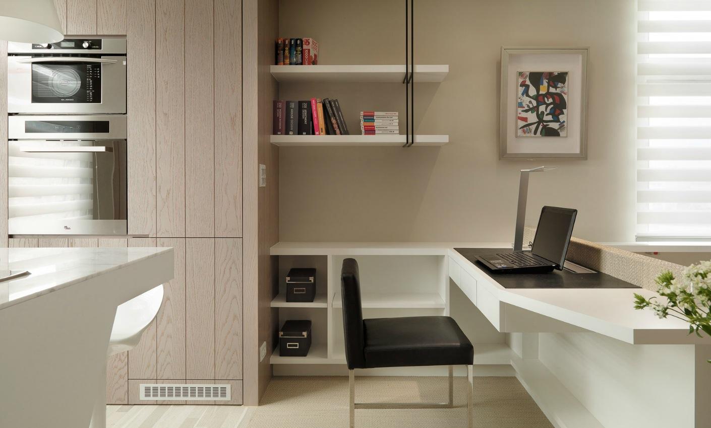 Кабинет в маленькой однокомнатной квартире