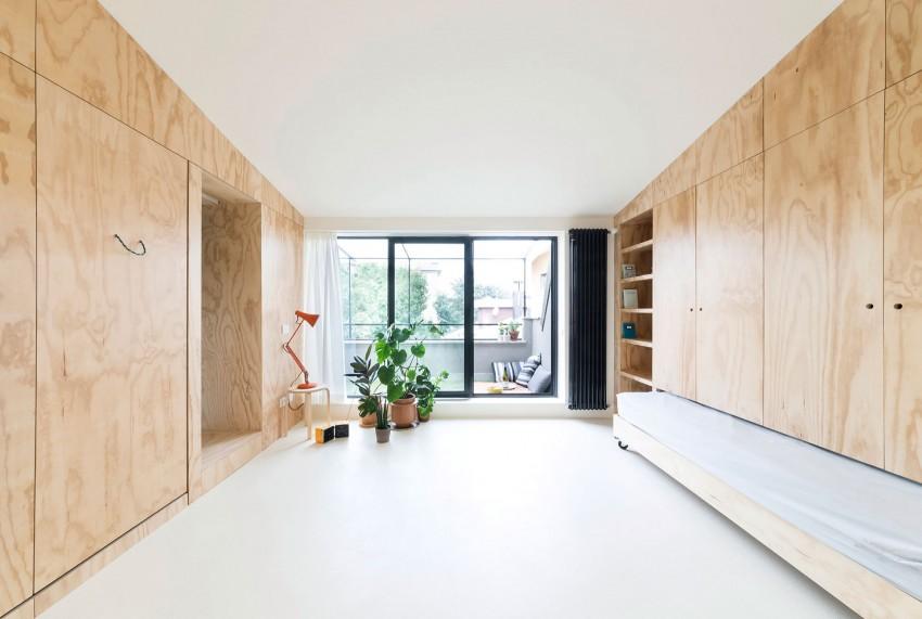 Интерьер маленькой светлой студии