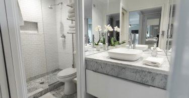 Интерны ванной комнаты Смеситель Grohe BauLoop 23335000 для раковины