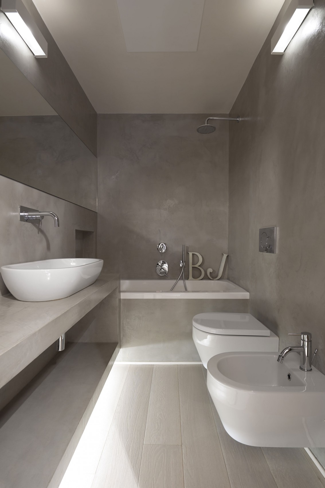 Интерьер маленькой ванной комнаты - фото 8
