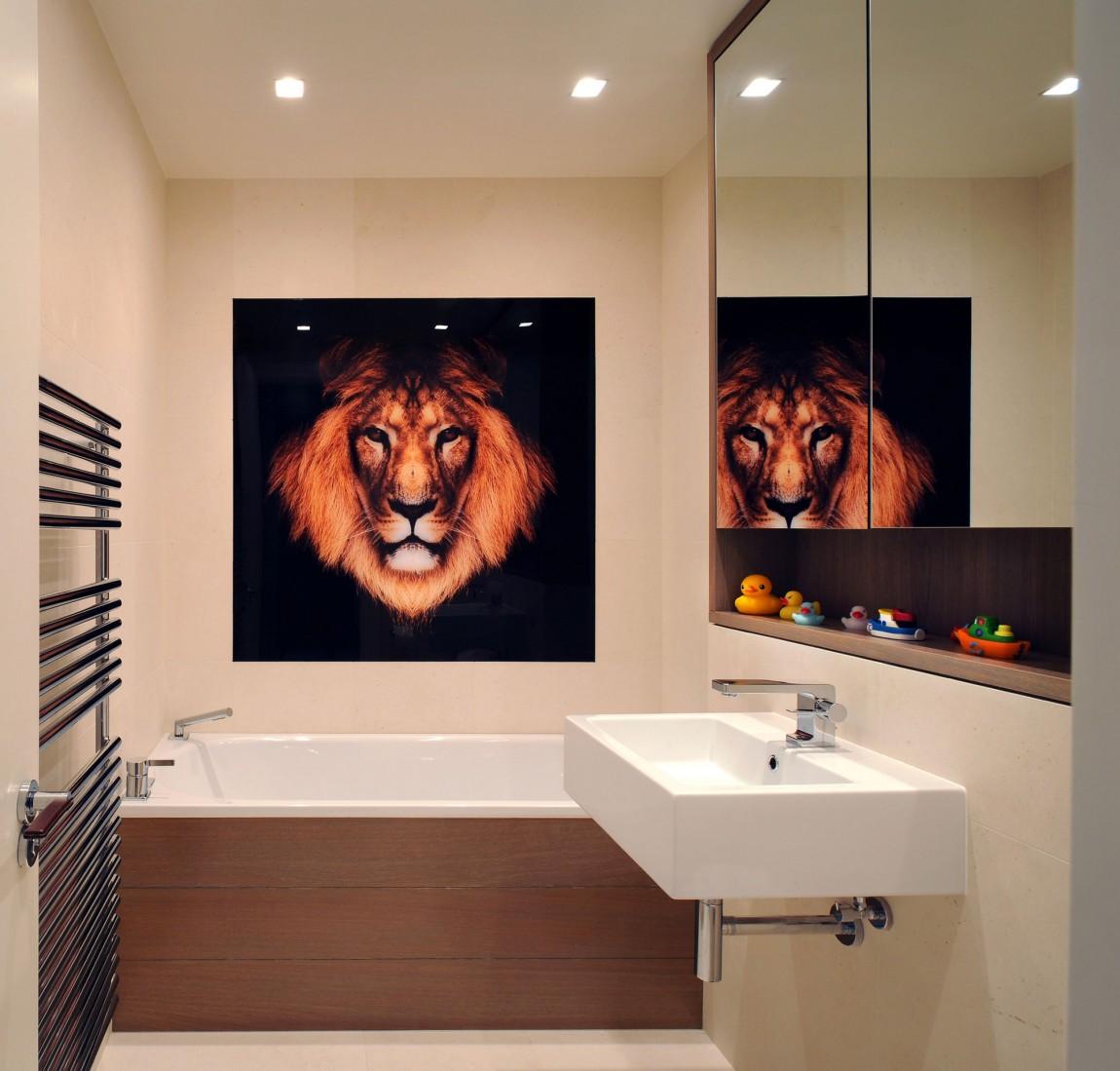 Интерьер маленькой ванной комнаты - фото 23