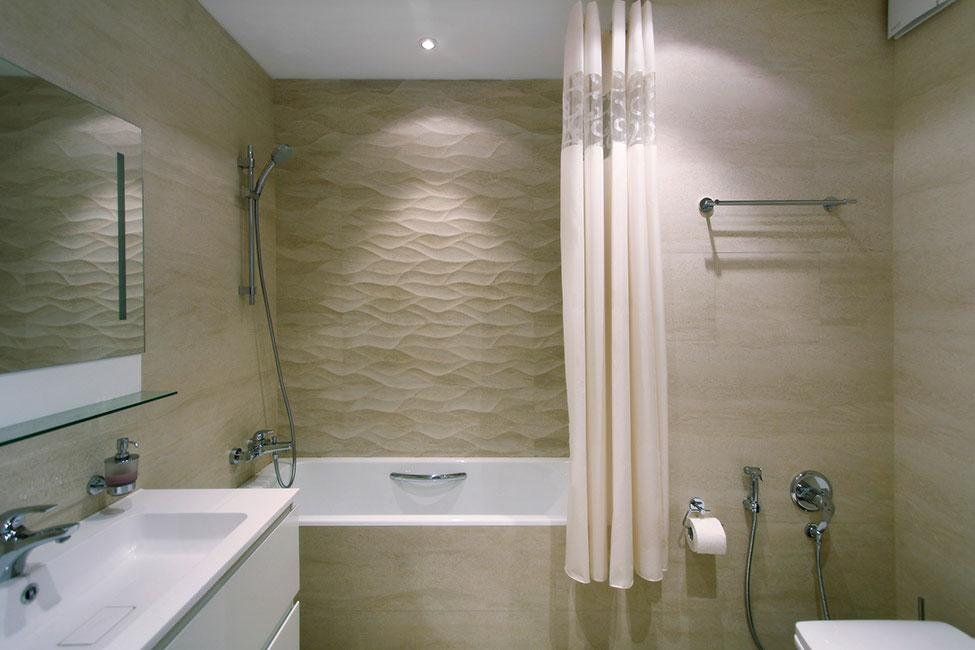 Интерьер маленькой ванной комнаты - фото 31