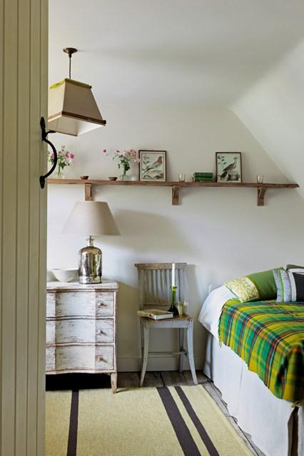 Маленькая уютная спальня