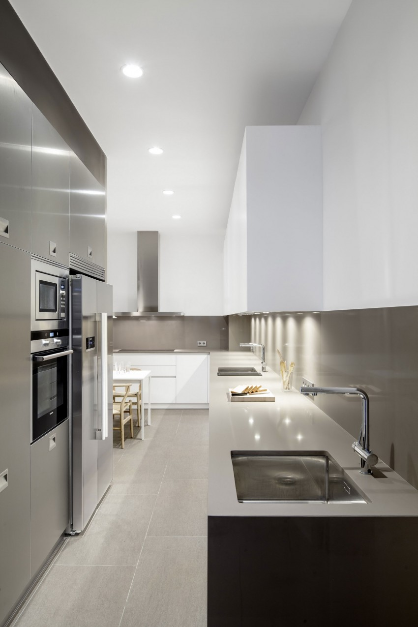 Дизайнерский интерьер небольшой кухни - фото 23