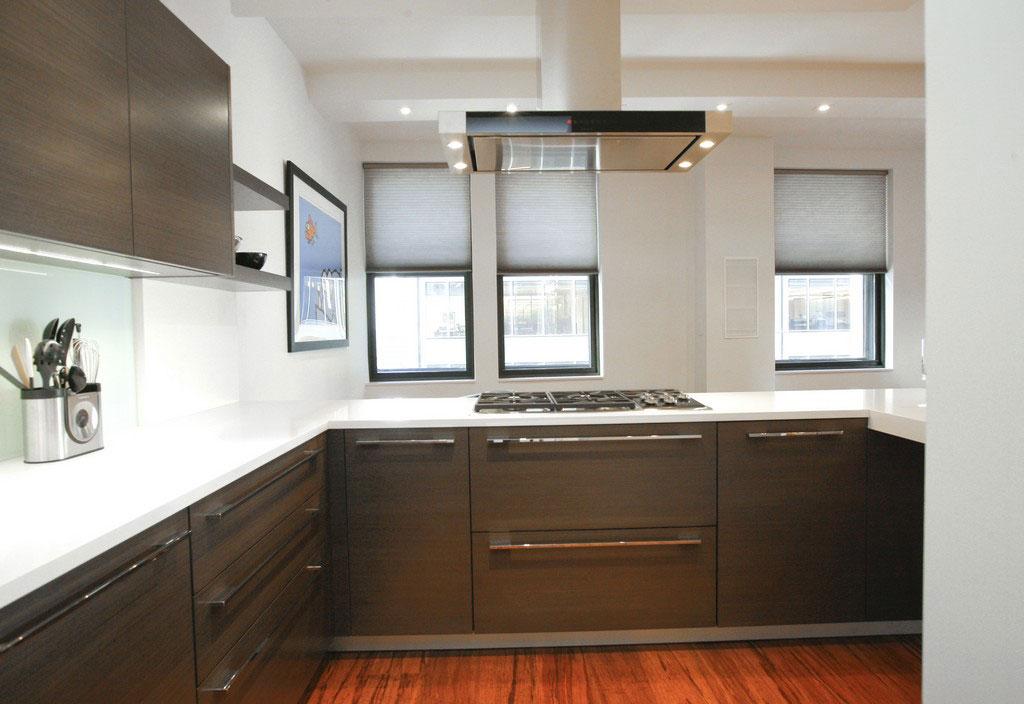 Дизайнерский интерьер небольшой кухни - фото 25
