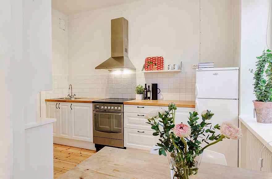 Дизайнерский интерьер небольшой кухни - фото 30