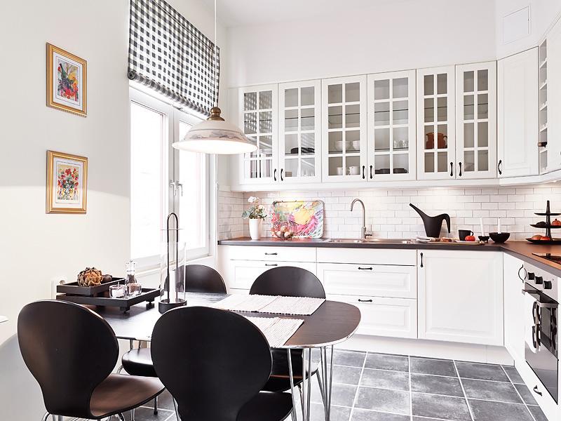 Дизайнерский интерьер небольшой кухни - фото 31