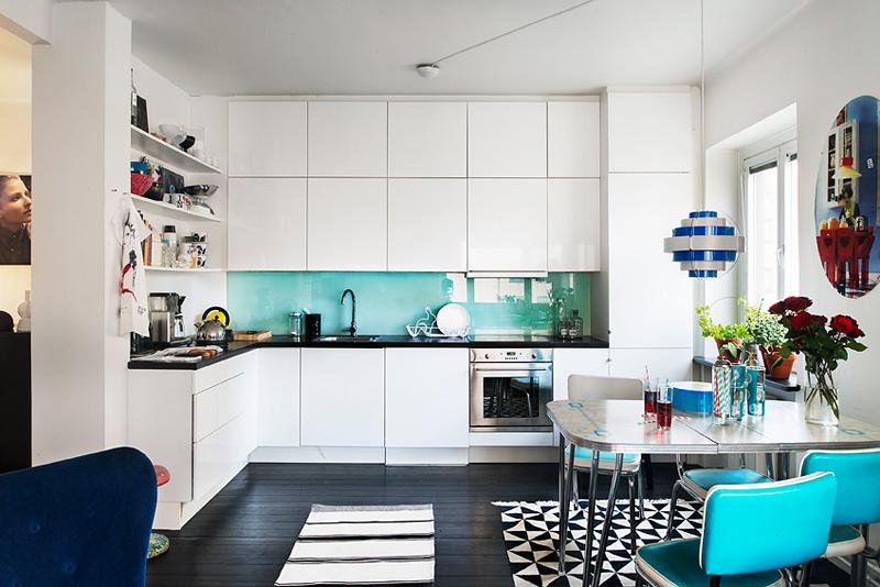 Дизайнерский интерьер небольшой кухни - фото 37