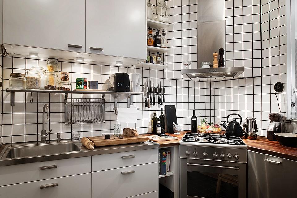 Дизайнерский интерьер небольшой кухни - фото 43