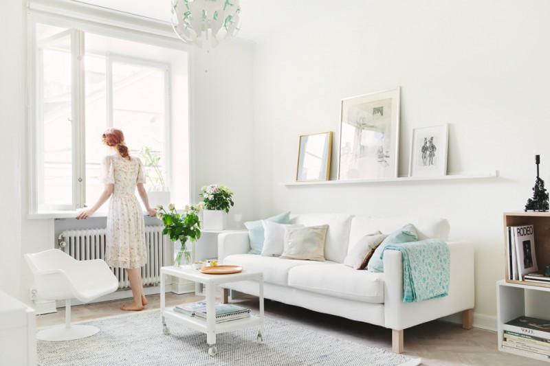 Интерьер небольшой однокомнатной квартиры в белом цвете