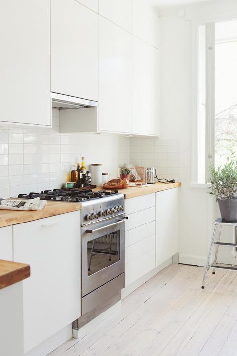 Интерьер кухни в небольшой однокомнатной квартире