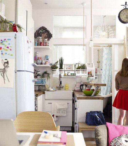 Кухня в интерьере очень маленькой квартиры