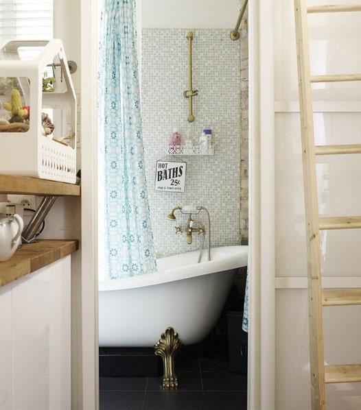 Интерьер очень маленькой ванной