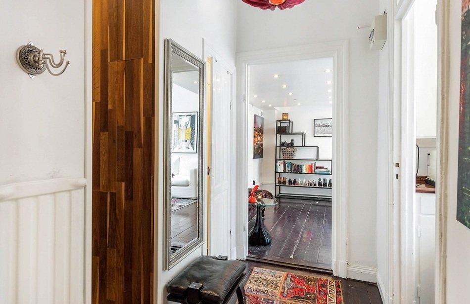 Прихожая однокомнатной квартиры в Швеции