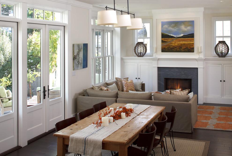 Диван-перегородка между гостиной и столовой