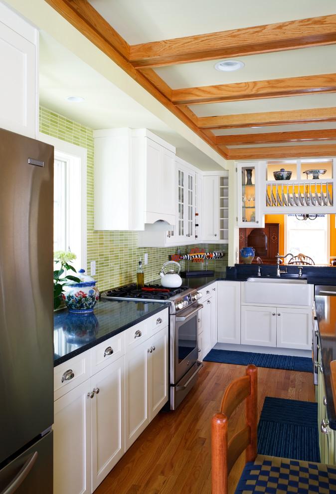 Интерьер вытянутой кухни