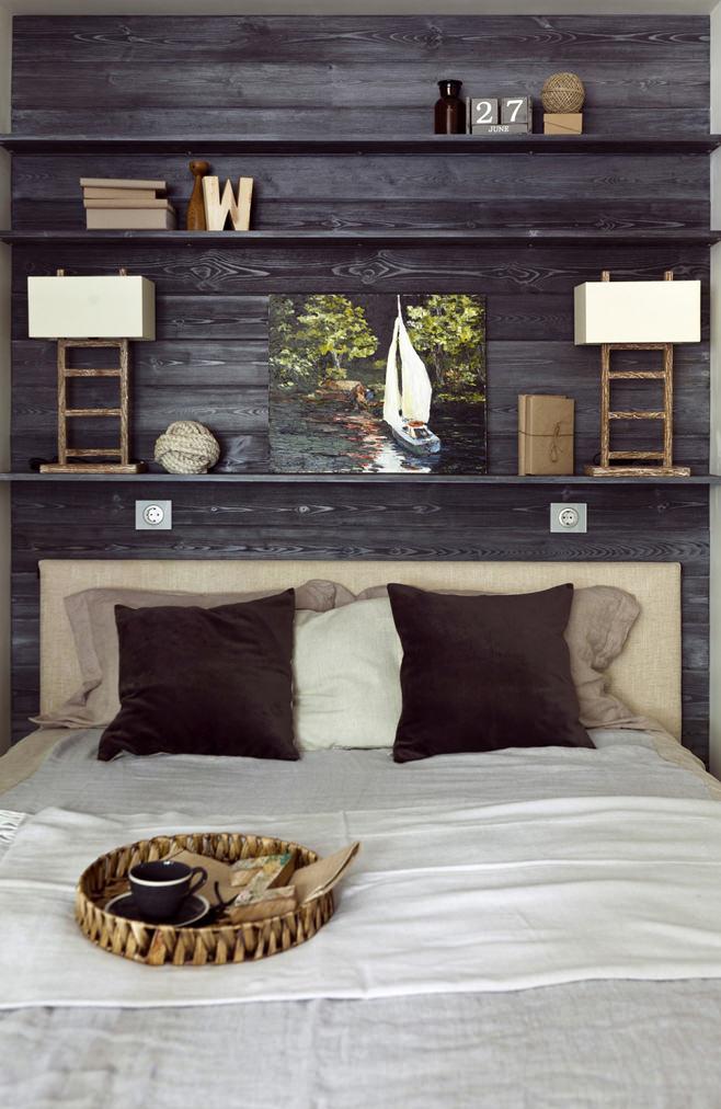 Деревянная стена в спальне