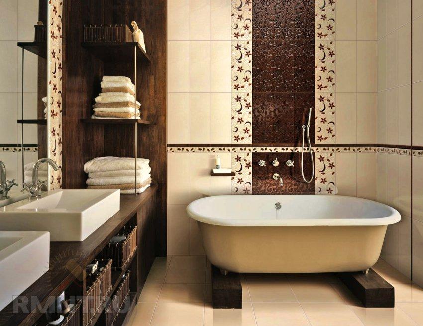 Вертикальные полосы в интерьере маленькой ванной комнаты