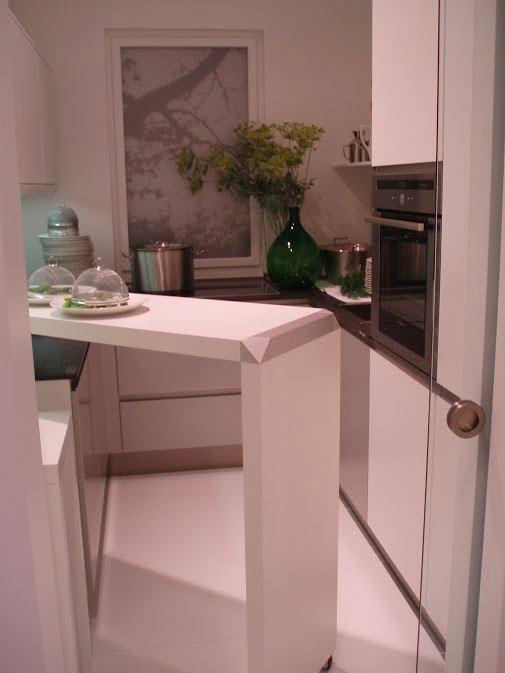 Мобильная барная стойка на кухне
