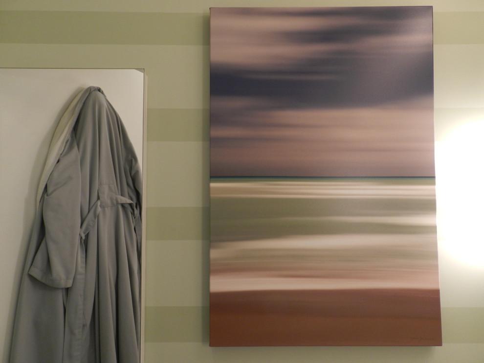 Картина в ванной холостяцкой квартиры на Манхэттене