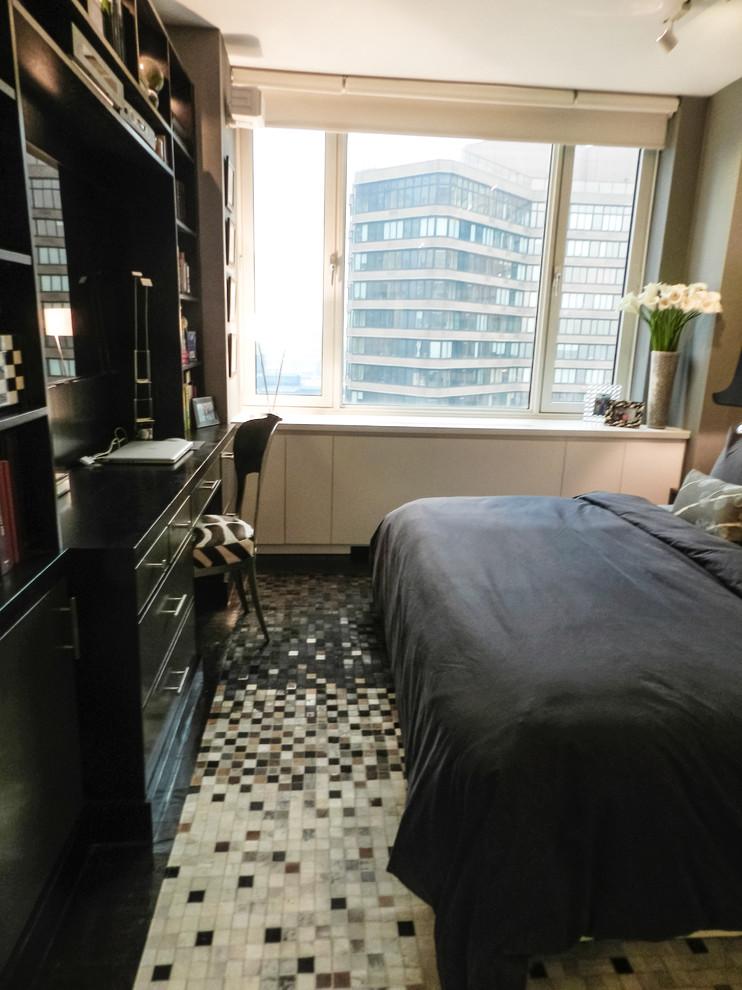 Спальня холостяцкой квартиры на Манхэттене