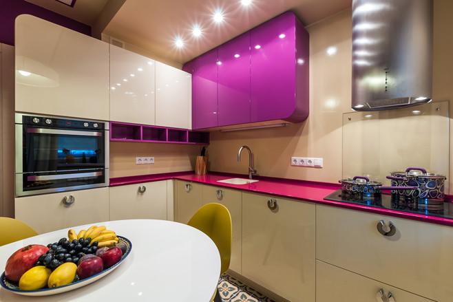 яркие угловые кухни фото