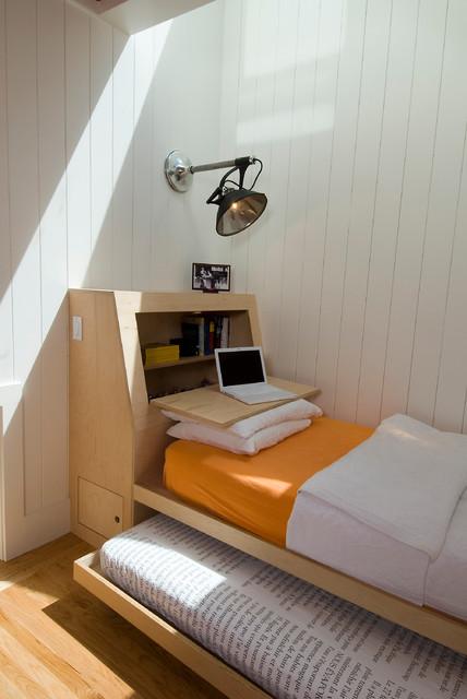 Кровать с дополнительным спальным местом для гостей