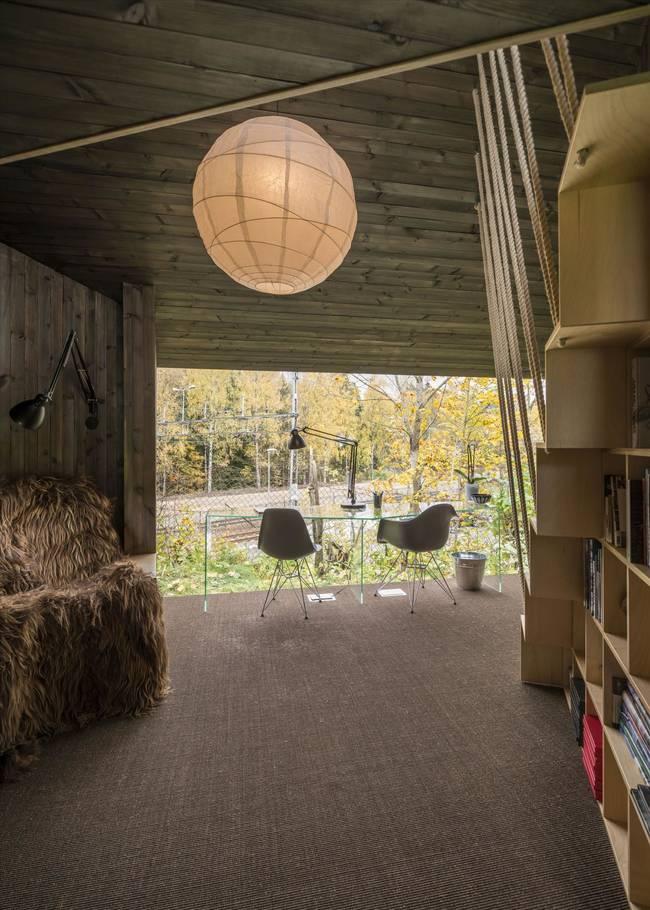 Комната для писателя. Стеклянная стена