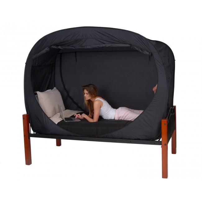Кровать со шторкой
