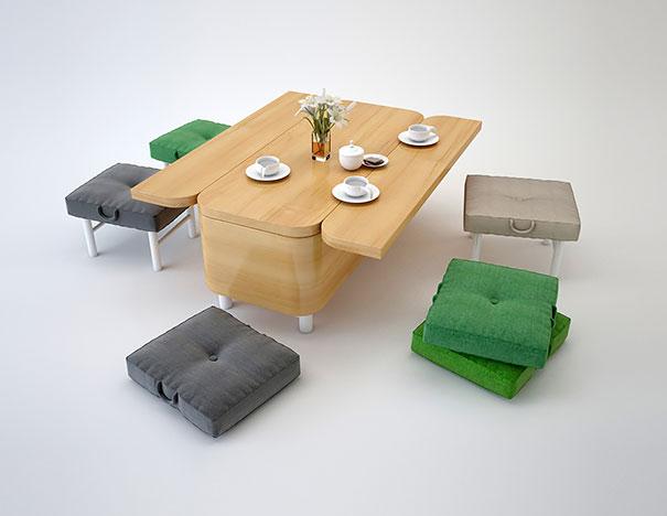 Обеденный стол и пуфы