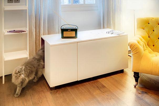 Кошачий туалет внутри журнального столика