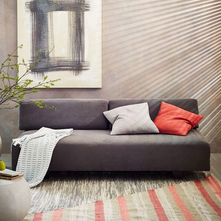 Серый диван Tillary Sofa от West Elm