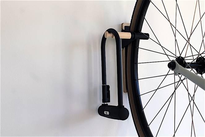 Настенное крепление для велосипеда дома