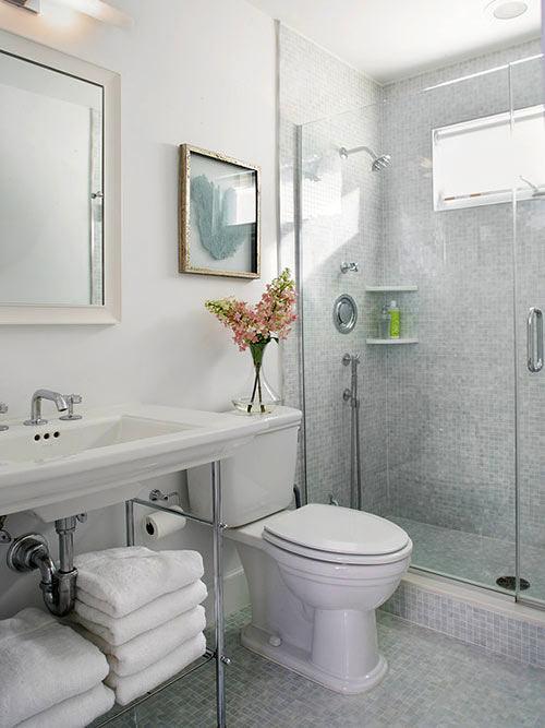 Прозрачный душ в ванной